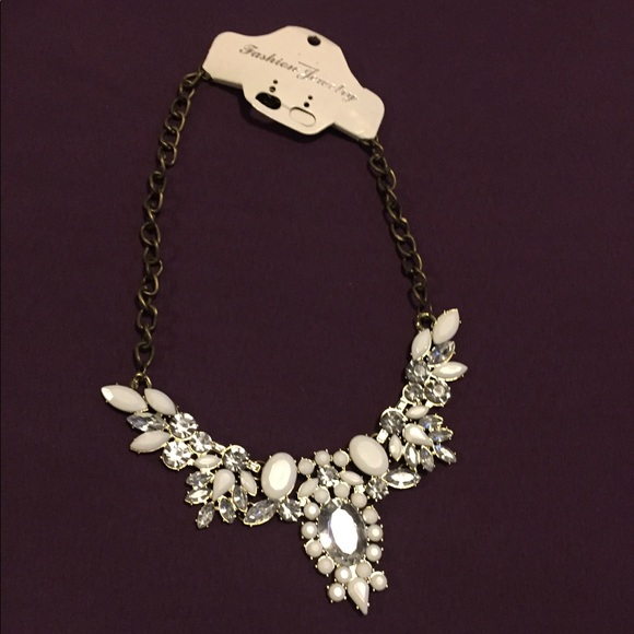 🌟 Necklace with rhinestones